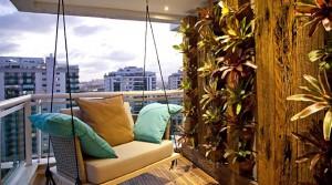 Готовим балкон к лету: 5 простых идей для оформления интерьера