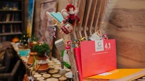 Новогодние офисы продаж новостроек: елки-оригами, имбирные пряники и...