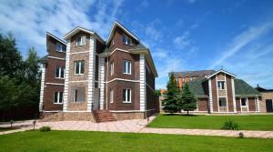 Как арендовать дешёвый дом на Рублевке?