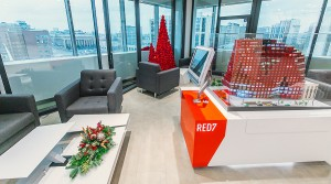 Самые новогодние офисы продаж новостроек